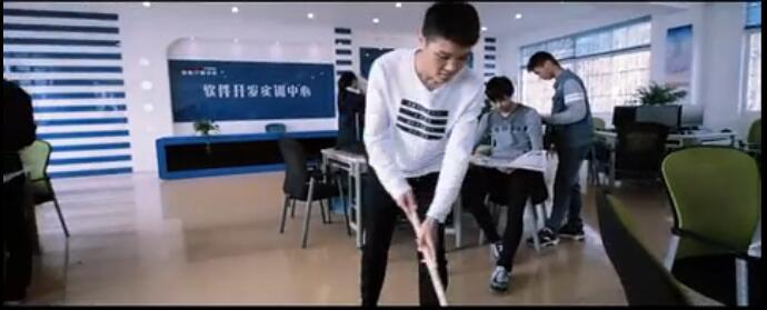 南京新华电脑学院学生会-假人挑战