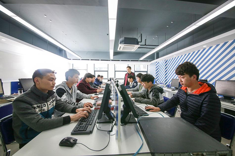 网络工程项目实训中心下设为四个模块