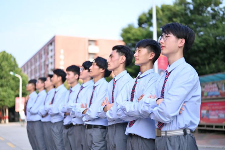 职业教育托举新希望,如何选择一所好学校?
