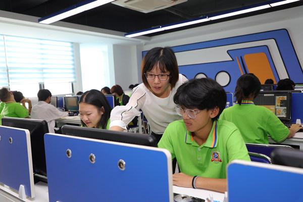 闻绘敏老师:教育就是事业