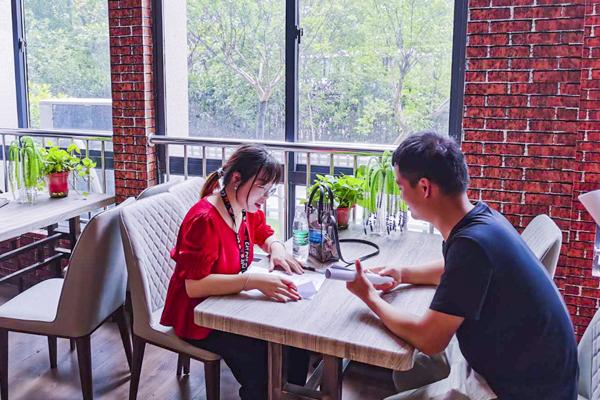 猫玩网络科技有限公司走进南京新华宣讲招聘会