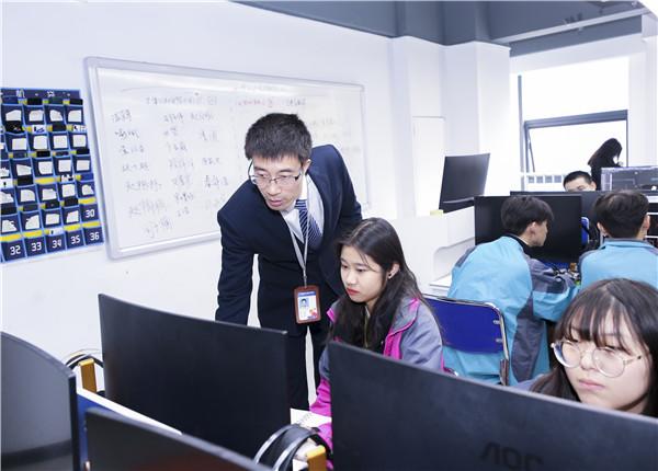 男生学什么IT技术好,该如何选择?
