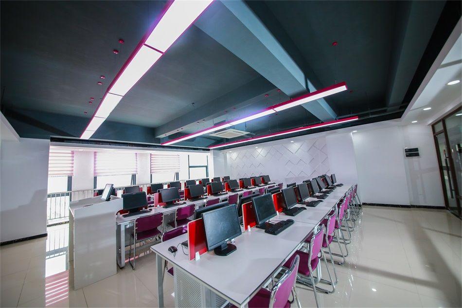 全新升级的教室4