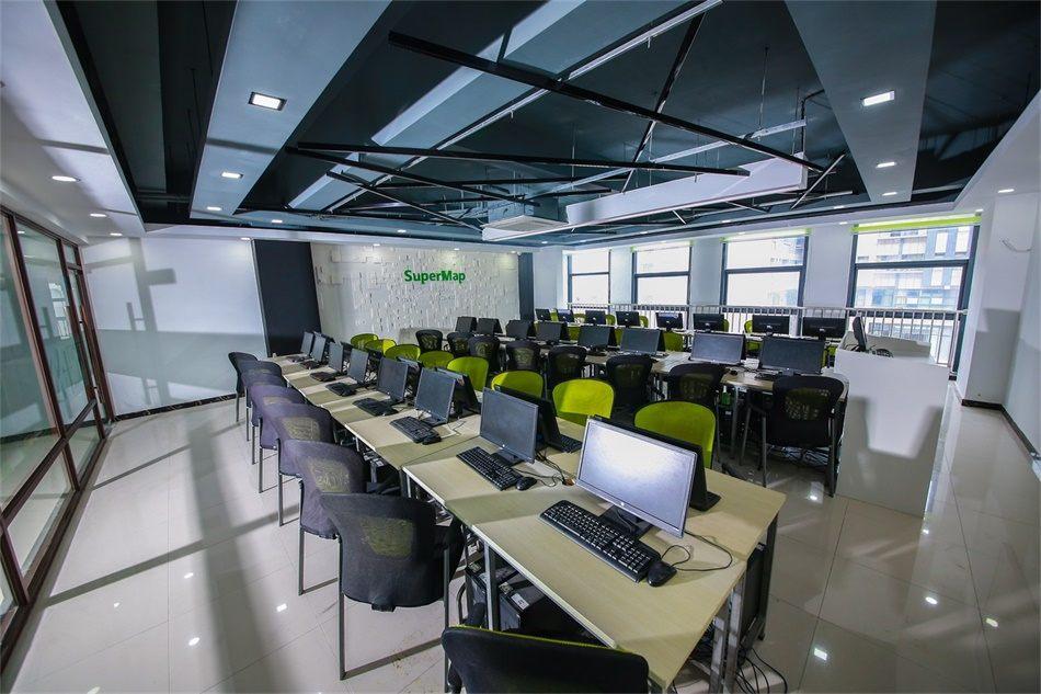 全新升级的教室5